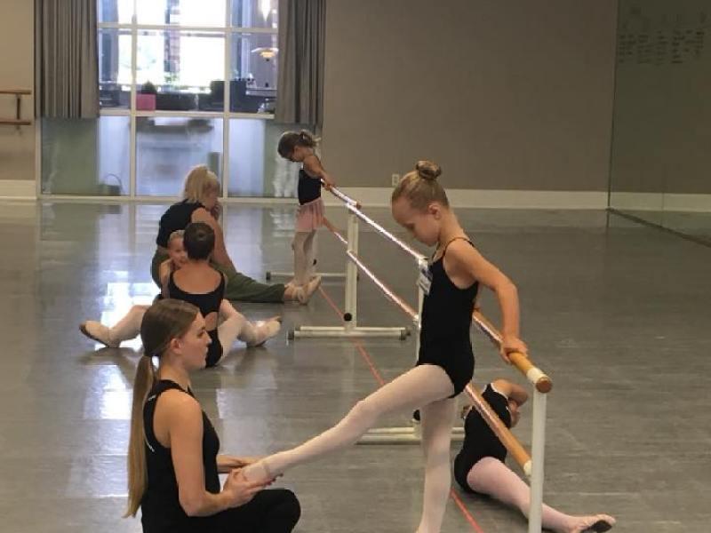 Le Petite Ballet Class