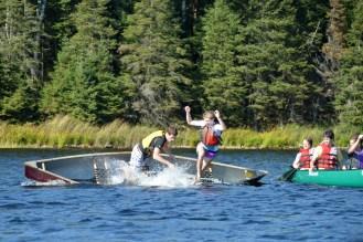15-09-15 T-Rescue Canoe 03 leaving boat