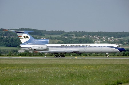 Malev_Tupolev_Tu-154B-2_at_Zurich_Airport_in_May_1985[1]