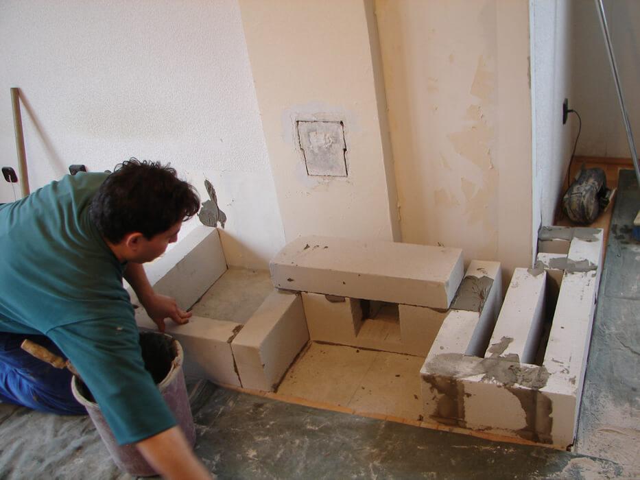 Bontott cserépkályha építés