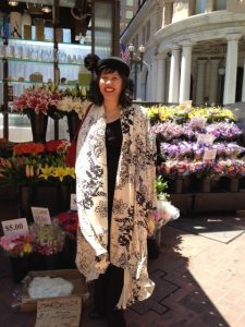 Day 22: I make this rayon knit jacket about four years ago (Issey Miyake Vogue pattern). It was a pretty windy day. Hat: Vintage wool felt with an ostrich feather pom-pom.