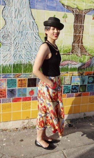 Butterick 5756 skirt with a yoke - photo by Kofi - csews.com