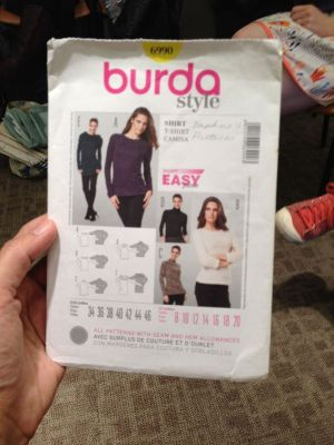 Burda 6990 - knit top