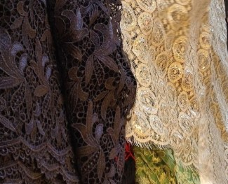 Resource list of tutorials on sewing with lace