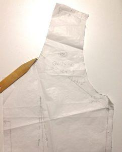 Back neckline adjustment - Simplicity 2439 vintage sewing pattern - csews.com