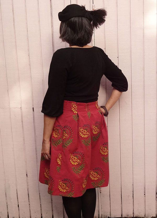 Chardon skirt - back view - Deer and Doe sewing pattern