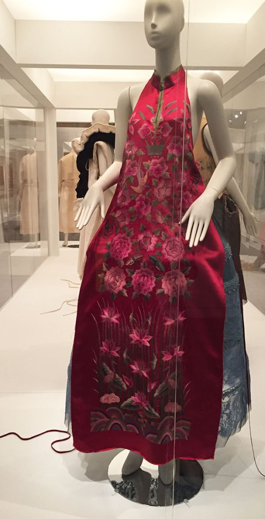 Dress by Jin Teok - Couture Korea, fashion exhibit at the Asian Art Museum - CSews