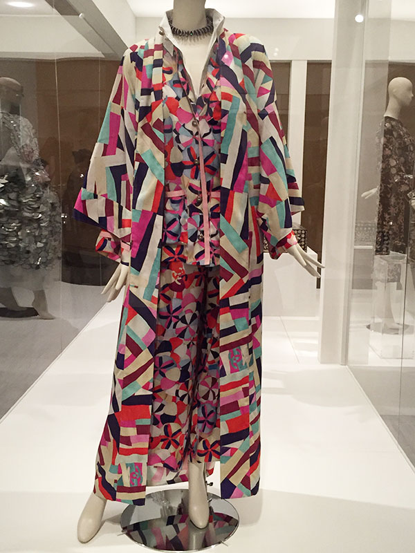 Chanel 2016 Cruise collection - Karl Lagerfeld - Couture Korea, fashion exhibit at the Asian Art Museum - CSews