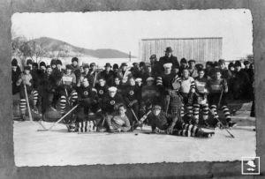 A Csíkszeredai Sport Club - CSC - csapata az 1935-ös mérkőzésen