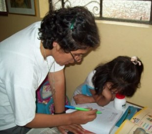 Hna. Mary Luz Salazar tutoring in Fe y Alegria school, Tacna, Peru
