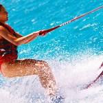 初心者向け「水上スキー」の始め方、場所・費用・免許など