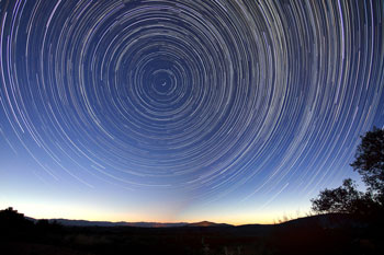 star-trails-828656_1280