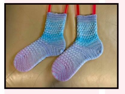 Myra Kness Alternating Tuck Stitch Socks 1