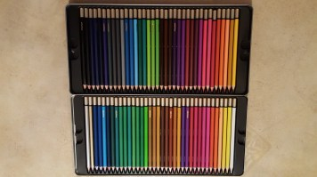 colored pencils with tin 9