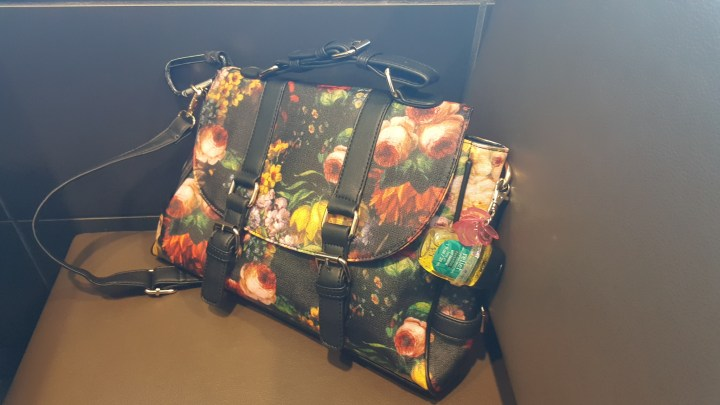 vmate-flowered-handbag-11