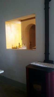 Foto della parte convivium cui abbiamo usato stufa, pavimento, vernicie e materiale elettrico