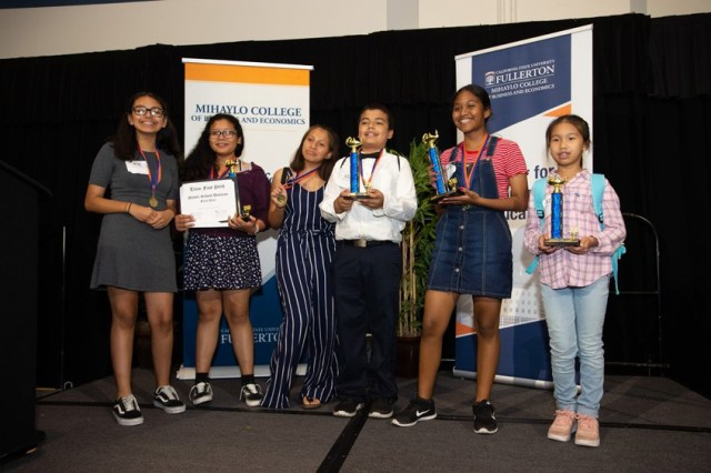 Top 4 middle school student teams at Titan Fast Pitch 2018. Photo credit: Matt Petit for MUFG Union Bank