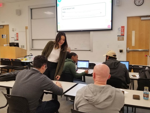 CSUF Entrepreneurship Alumni Teaching Design Thinking in Class