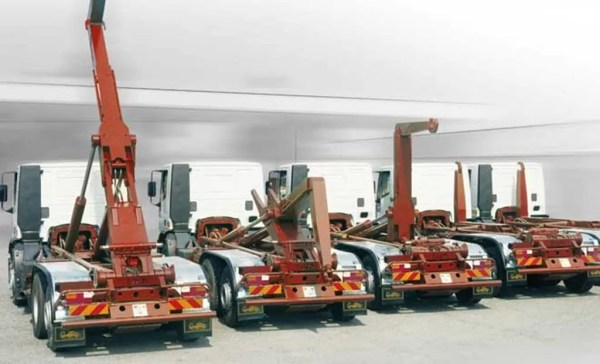 ARTICULATED ABROLL TAM T 40 ( HOOK LIFT)