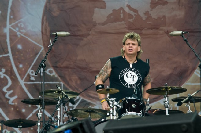 Karl Wilcox of Diamond Head at Sonisphere