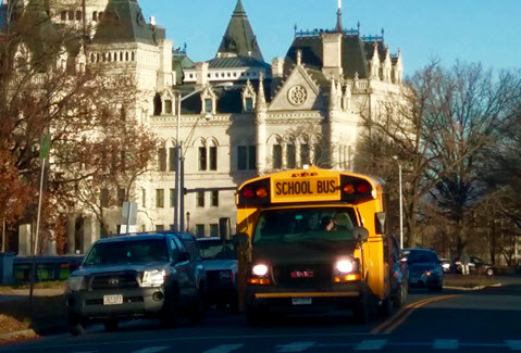 school-bus-state-capitol