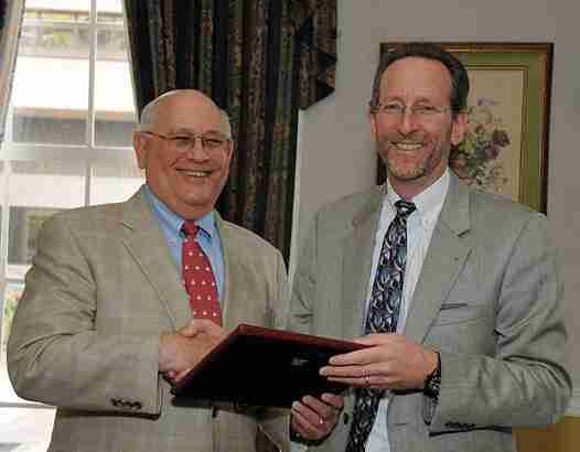 Permalink to: CT Foundation for Open Government Honors Pearlman, Creating Freedom of Information Award In His Name