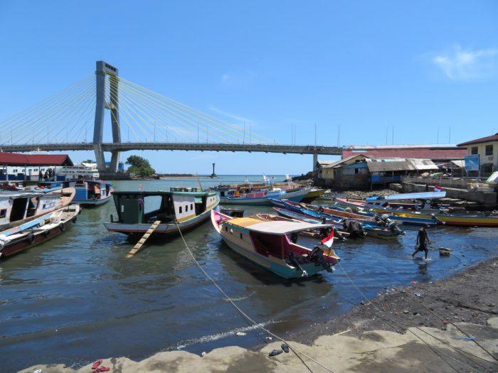 de haven van Manado