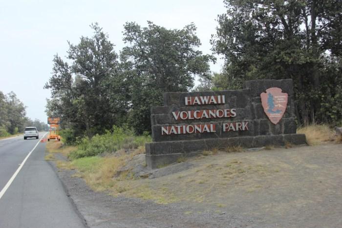 De weg door Vulcanoes NP