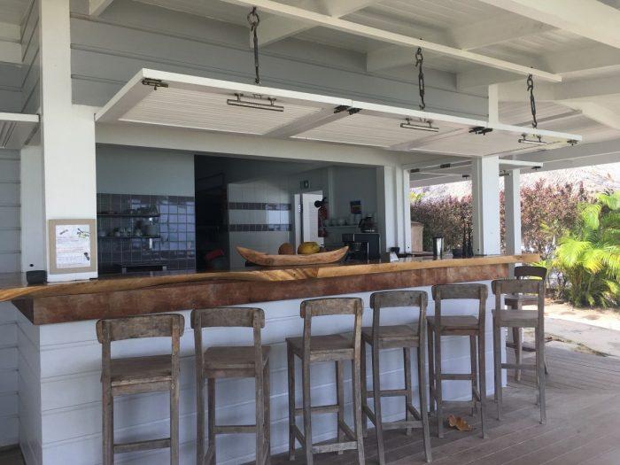 De strandbar van Moorea Beach Lodge