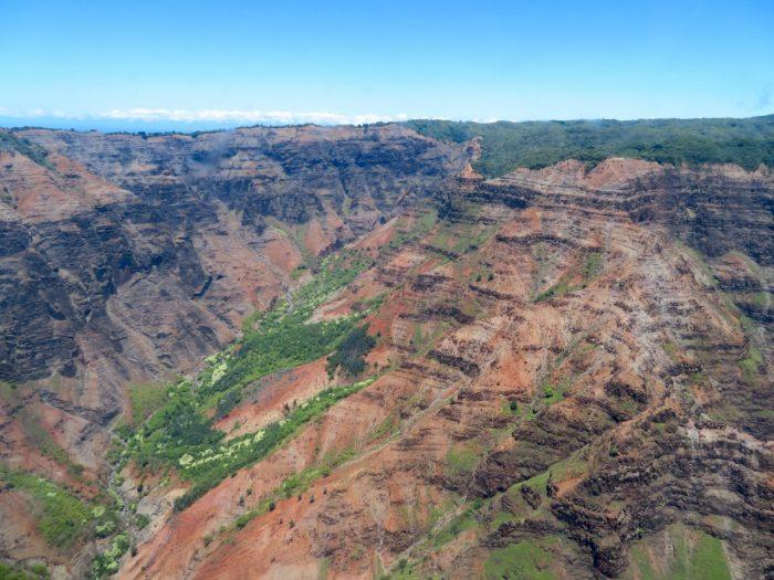 Waimea canyon vanuit vliegtuig