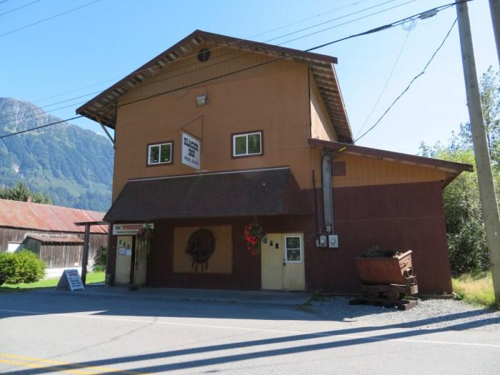 Glacier Inn, Hyder