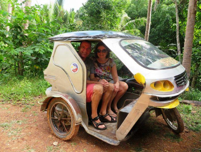 Een tuktuk is in Azië een veelgebruikt vervoersmiddel