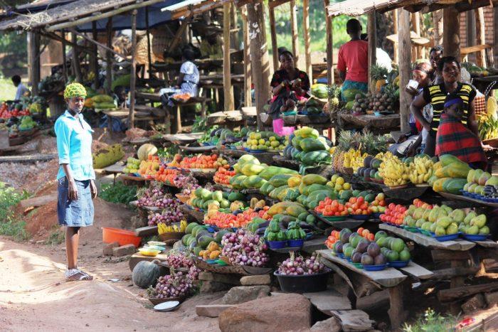 fruitmarkt in Oeganda
