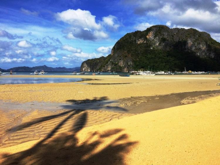 kustlijn bij El Nido op Palawan