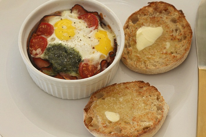 Ham cheese and egg cup with muffins