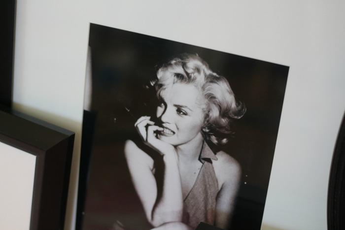 Marilyn Monroe print from photos.com