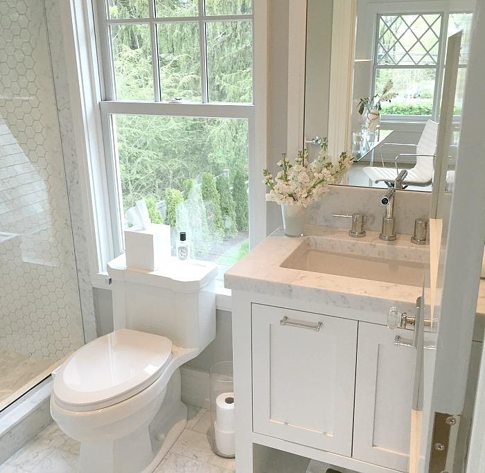 Bathroom 1 a