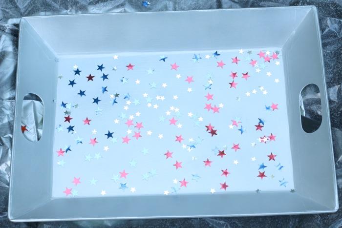 Tray with confetti
