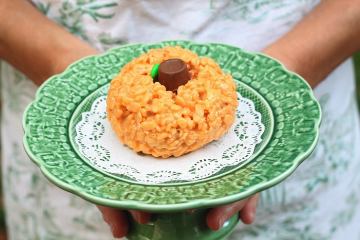rice-krispie-pumpkin-treats