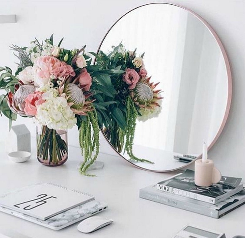 New Design Trends I am Loving- Round Mirrors