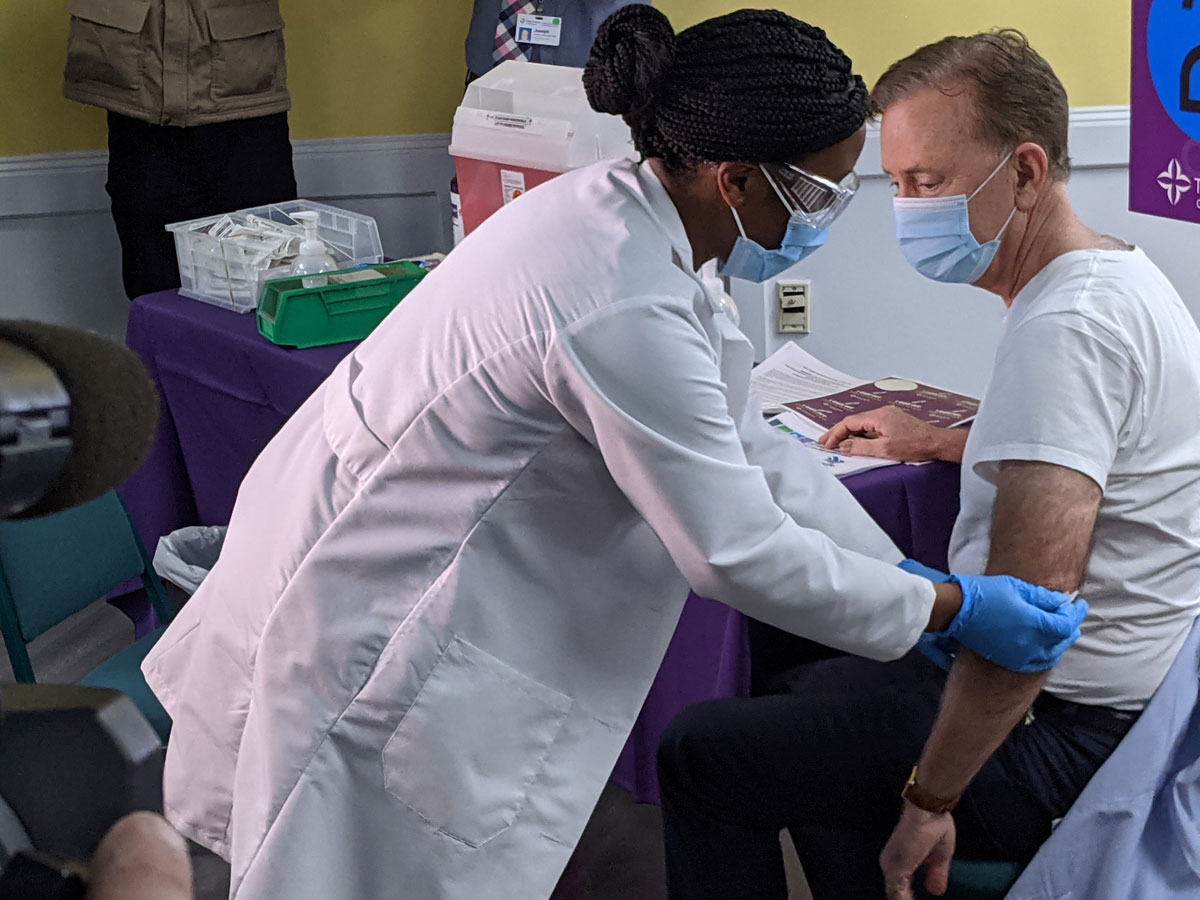 Gov. Ned Lamont gets vaccinated (CTNewsJunkie File Photo)