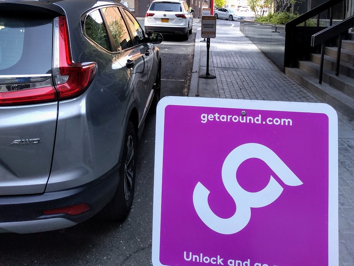 Hartford residents can now use the Getaround app to rent one of three vehicles based at 777 Main (Tony Cherolis / CTNewsJunkie)