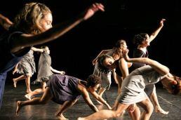 """""""Jogo de Damas"""", com a Esther Weitzman Companhia de Dança / foto: Renato Mangolin"""