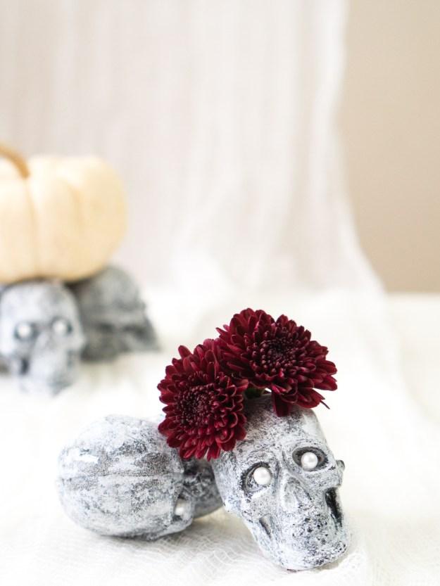 faux stone skull bud vase