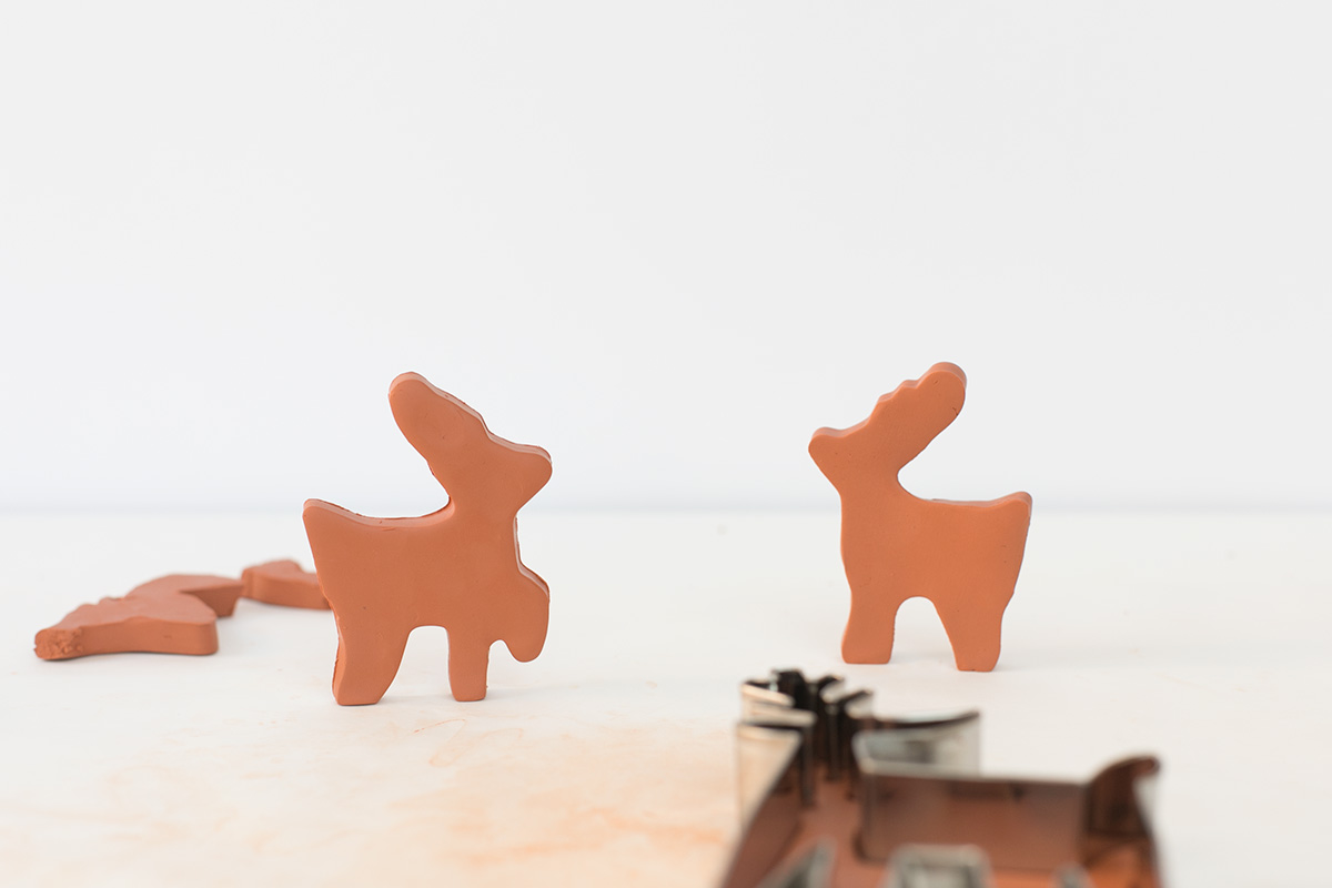 how to make a reindeer out of clay