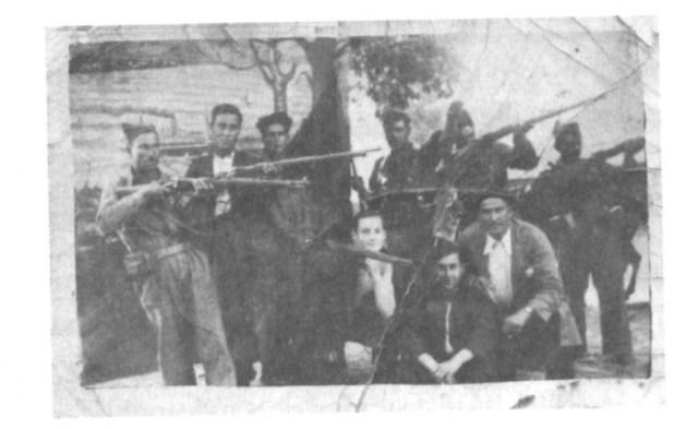 <p>Foto de la Escuadra Negra de Eirexalba, formada por falangistas de O Incio y Sarria, supuestos responsables del asesinato del médico 'O Pequeniño'.</p>