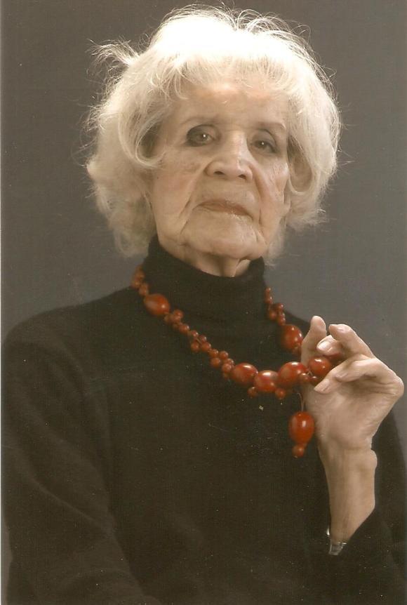 malva travesti mas anciana
