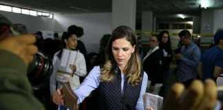 Daniela de los Santos voto