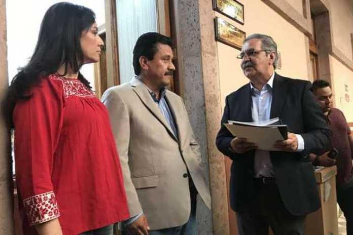 Adriana Hernandez, Roberto Carlos Lopez y Mario Armando Mendoza