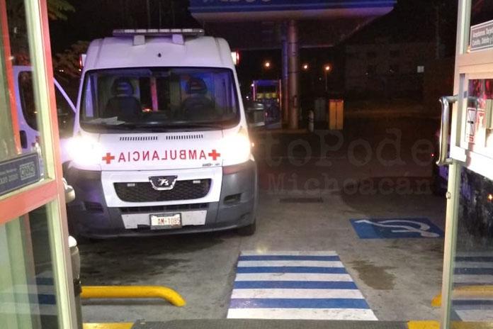 ambulancia tienda Oxxo gasolinera